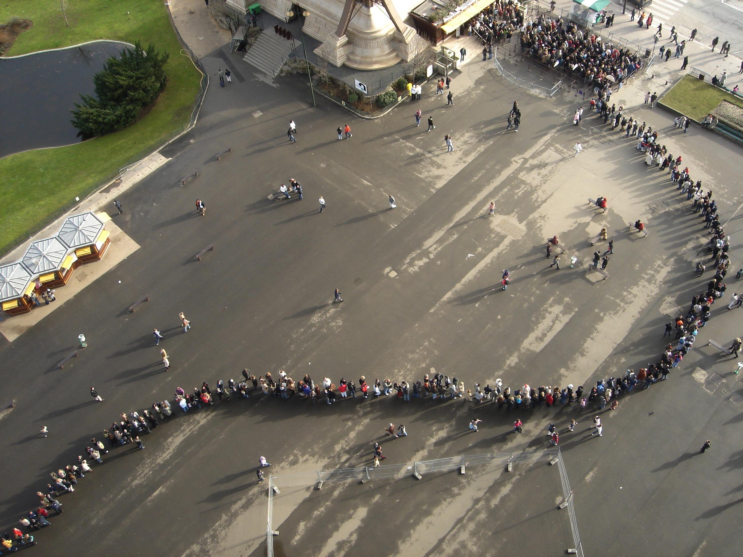 Queue in Paris