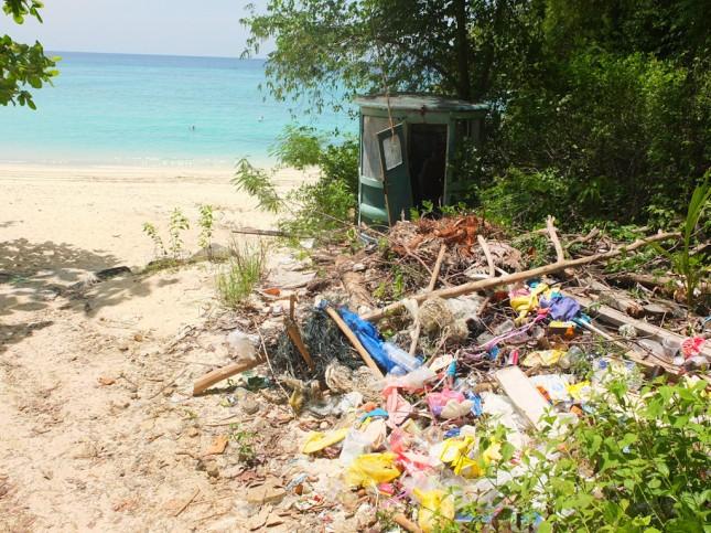 Trash on Koh Phi Phi