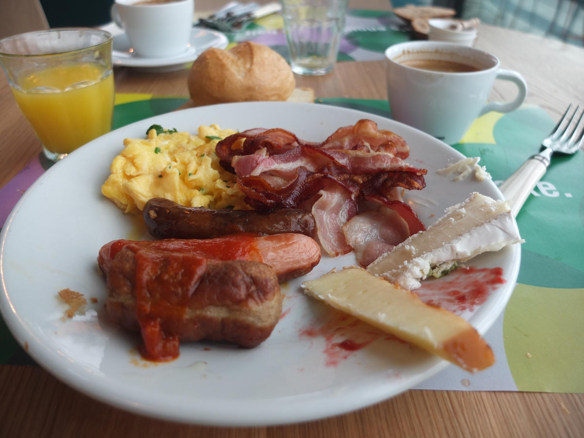 25h Bikini Hotel Berlin - breakfast